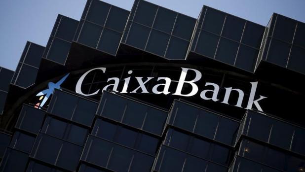 La cnmv multa a caixabank con euros por mala for Oficina 2100 caixabank