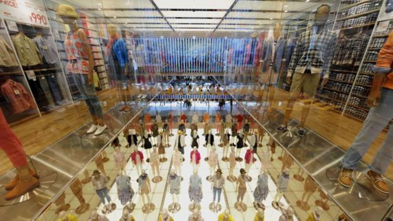 Uniqlo el rival japon s de zara abrir su primera tienda - Zara en cadiz ...