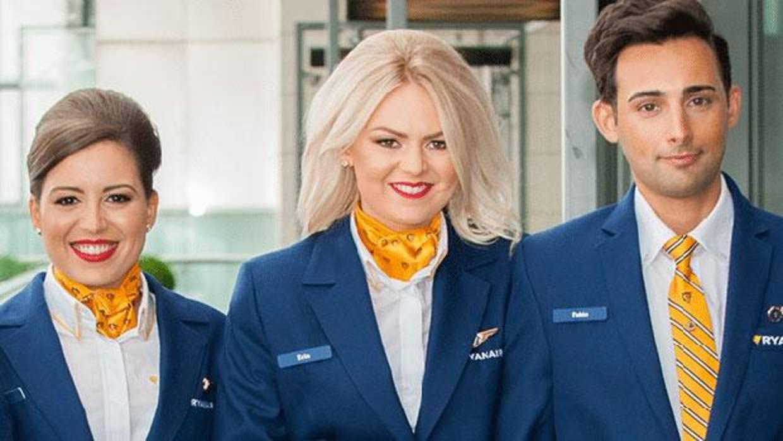 Ryanair buscar en sevilla tripulantes de cabina que est n dispuestos a ganar desde euros - Cabina ryanair ...
