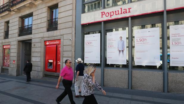 La justicia comienza a investigar la venta del popular for Oficinas banco popular malaga