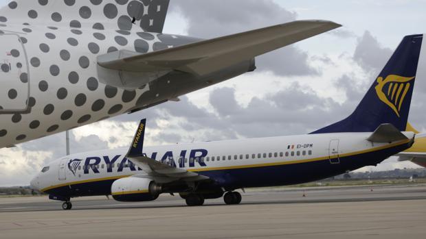 Aviones de Ryanair en el aeropuerto de Sevilla