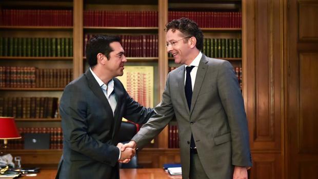 Alexis Tsipras, primer ministro griego, se reúne con Jeroen Dijsselbloem, presidente del Eurogrupo