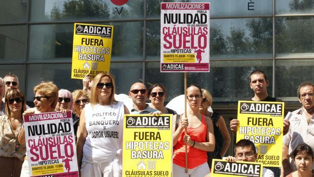 Adicae denuncia que la banca rechace pactar con los afectados de las cláusulas suelo