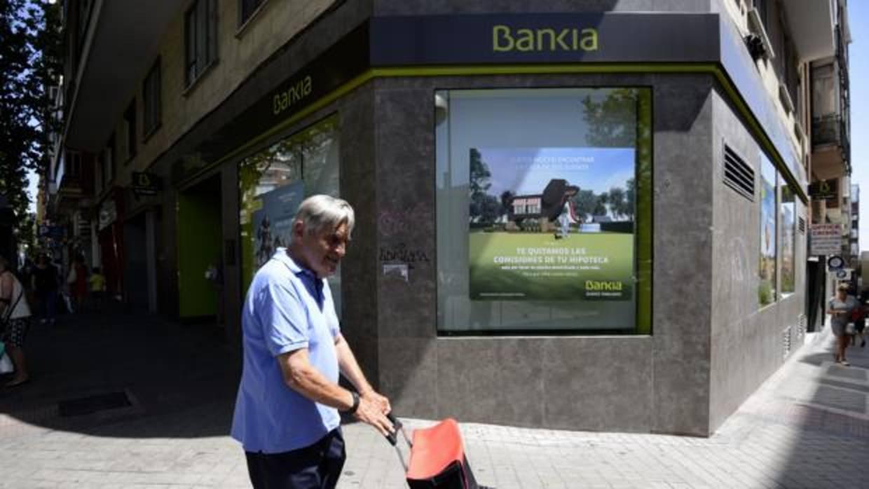 Bankia plantea despidos para absorber bmn for Oficinas bankia sevilla