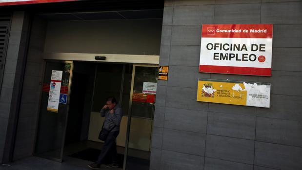 El gobierno de rajoy solo ha subido el iprem cinco euros for Oficina de desempleo malaga
