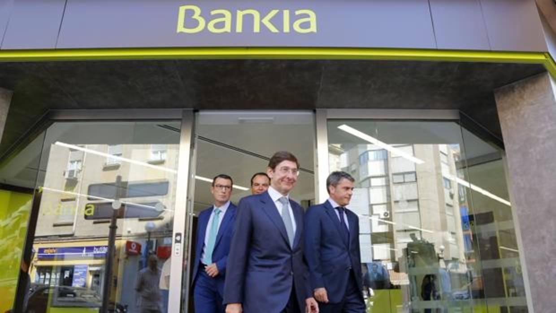 Los trabajadores de bankia convocan paros por el ere para for Oficinas de bankia en granada