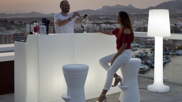 Cuando la innovaci n ilumina el cambio for Muebles peralta sevilla