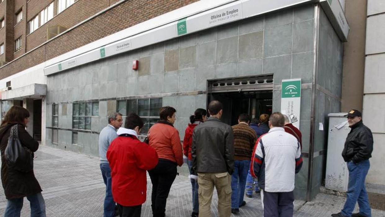 El paro la creaci n de empleo se acelera tras subir la for Oficina de empleo andalucia