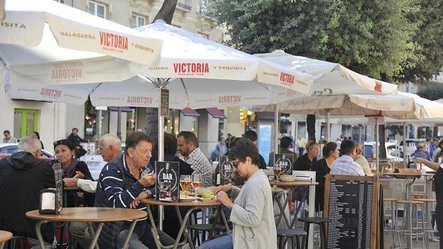 Un bar en Málaga en los alrededores de un mercado de la ciudad