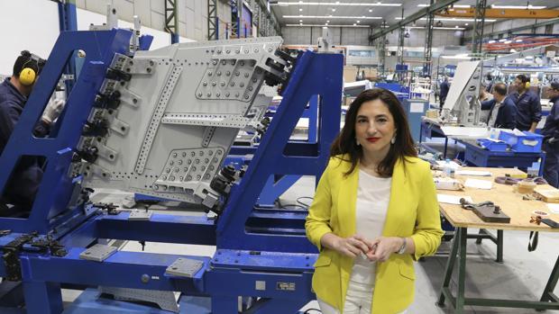 María Eugenia Clemente, en la fábrica de Aciturry Assembly en Sevilla