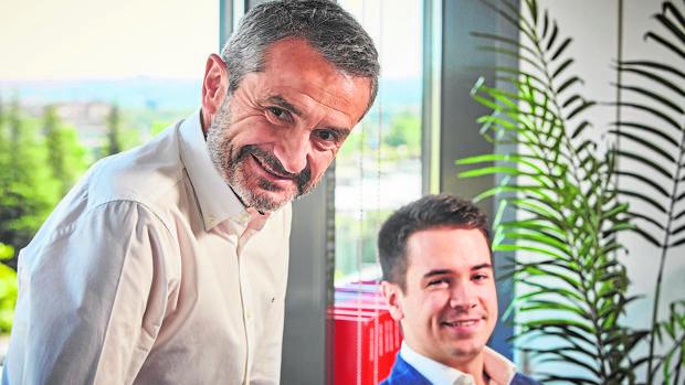 Enrique Sánchez junto a Miguel Castillo, protagonista del programa «CEO por un mes»