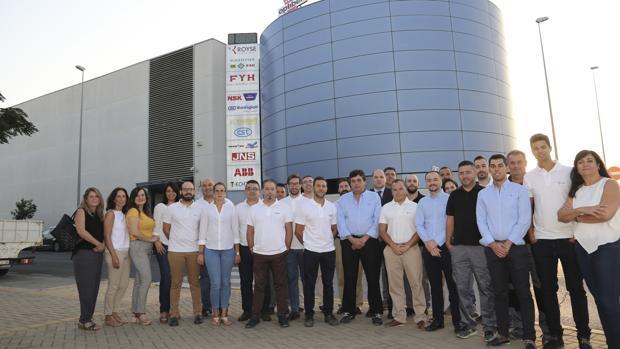 Equipo de Royse en las instalaciones de Sevilla