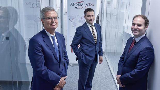 Andersen Tax & Legal ficha a Santiago Fuertes para su oficina en Sevilla