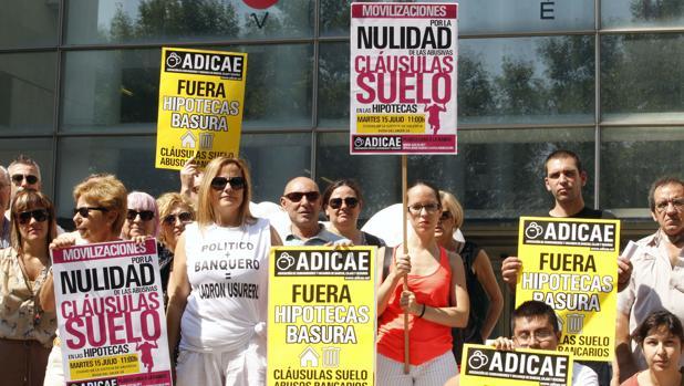 Justicia estudia imponer sanciones a bancos que pleiteen for Clausula suelo que ed