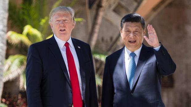 El presidente de EE.UU., Donald Trump, y el presidente chino, Xi Jinping, en una cumbre en 2017