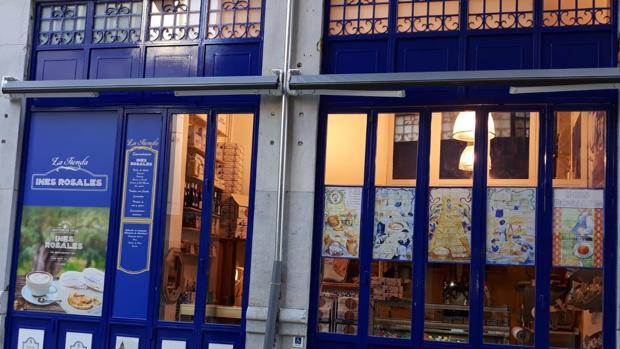 La tenda de Inés Rosales en el centro de Granada
