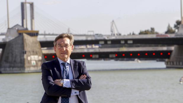 El presidente de la Autoridad Portuaria de Sevilla, Rafael Carmona