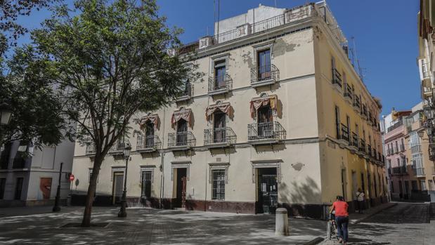 Grupo Ribelles compra un edificio en la Plaza de Molviedro para apartamentos turísticos
