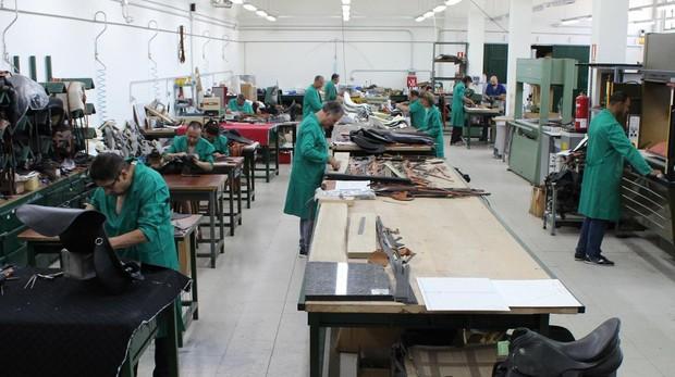 La industria española aún tiene 600.000 empleos menos que en 2007