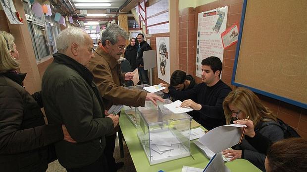 Elecciones andaluc a incidencias sin importancia en la for Presidente mesa electoral
