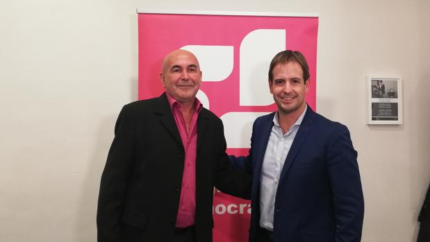 Ricardo Mercado, candidato a las elecciones andaluzas, junto a Cristiano Brown.