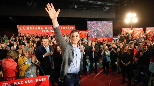 El PSOE intenta fomentar la movilización: «La abstención es la cuarta derecha de estas elecciones»