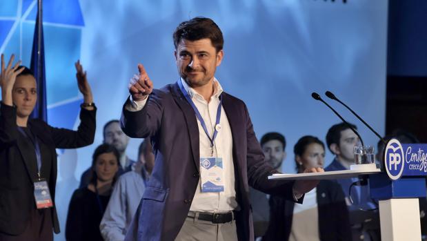 Beltrán Pérez durante un acto de campaña