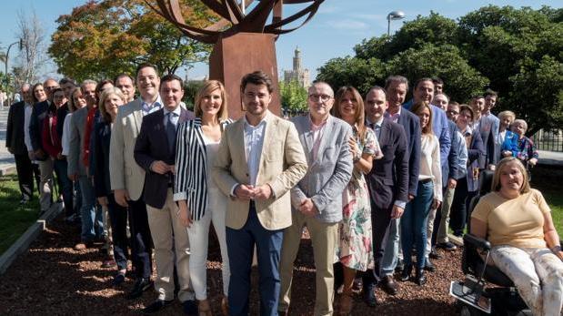 Los miembros de la candidatura del PP a la Alcaldía de Sevilla