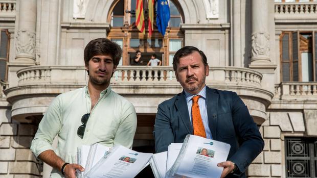 Imagen de los responsables de HazteOir.org