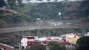 Otros 350 inmigrantes entran en Ceuta en un salto masivo