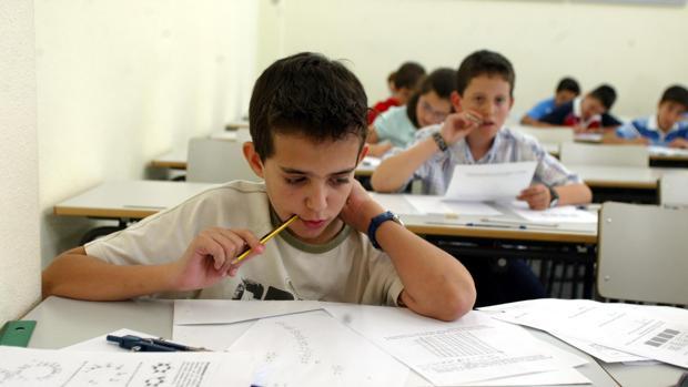 Los niños realizan a diario juegos matemáticos