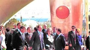 Los Reyes en la inauguración de la Expo junto a Felipe González y Manuel Chaves