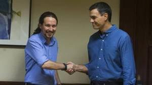 Pablo Iglesias y Pedro Sánchez, durante su reunión en el Congreso el pasado mes de julio