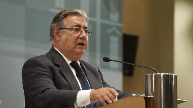 El ministro del Interior durante la rueda de prensa ofrecida este lunes tras la reunión del pacto antiyihadista