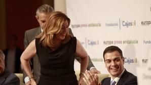 La presidenta de la Junta de Andalucía, Susana Díaz, con el líder del PSOE, Pedro Sánchez