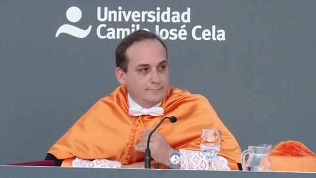 Sánchez organizó con Padilla las conferencias en las que «robó» una ponencia para su libro