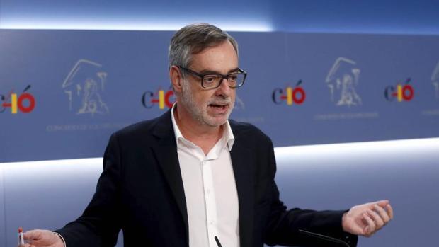 Los partidos siguen sin dar credibilidad al CIS de Tezanos: «Es una broma pagada con dinero público»