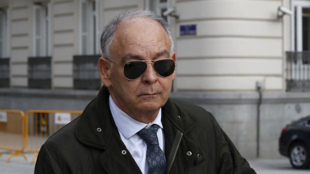 Villarejo implica a Pino y Cosidó en el espionaje a Bárcenas, pagado por Interior
