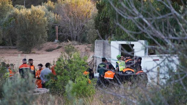 Los padres de los niños muertos en Valencia: una pareja joven con problemas mentales que malvivía en una caseta