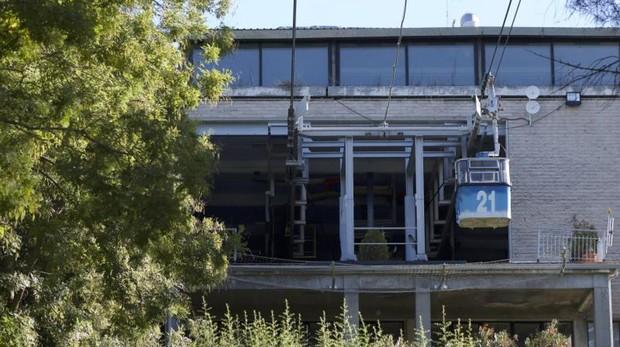 Carmena reabre el Teleférico tras un mes de inspecciones y se avería el primer día