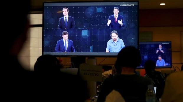 Indultos, alianzas, pensiones, impuestos y corrupción acaparan los discursos