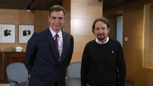 Sánchez pide a Iglesias una respuesta a su oferta sin ministerios