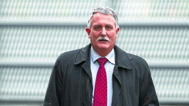 El exsenador del PNV Víctor Bravo se sienta hoy en el banquillo por un fraude fiscal de 1,8 millones