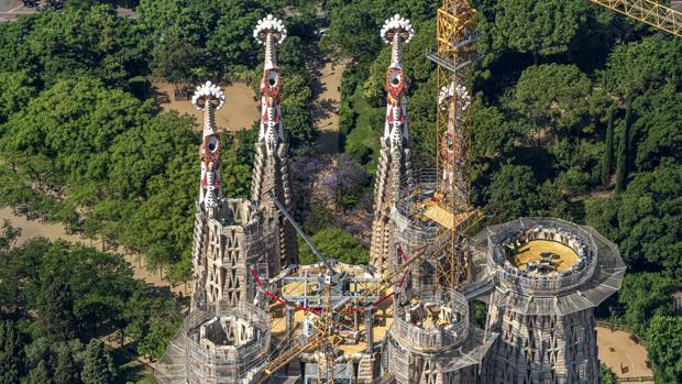La Sagrada Familia supera los 110 metros y deja atrás a Gaudí