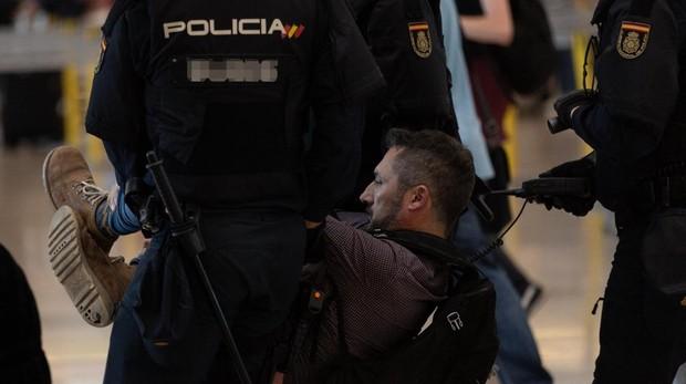 Máxima preocupación de las Fuerzas de Seguridad por la situación en el aeropuerto de El Prat