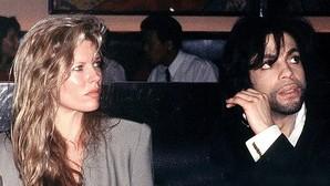 El ardiente y secreto romance entre Prince y Kim Basinger