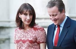 La mujer de Cameron se pasa a la moda