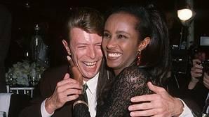 David Bowie y su mujer Iman