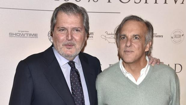 Méndez de Vigo junto a Arango en la premier de la película