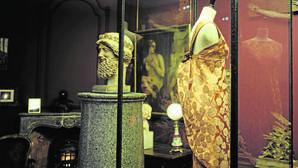 Uno de los diseños de Balenciaga expuestos en el Museo Bourdelle